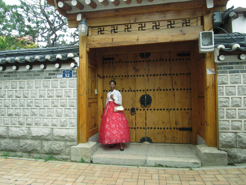 hanbok-at-a-hanok