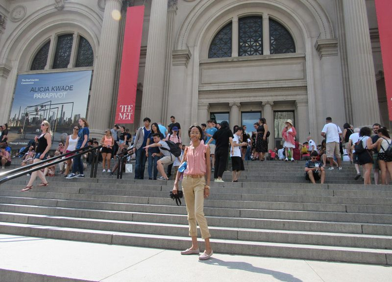 the-MET-entrance
